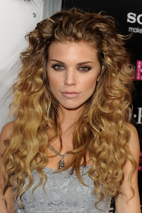 Surprising 50 Hairstyles For Frizzy Hair To Enjoy A Good Hair Day Every Day Hairstyles For Women Draintrainus