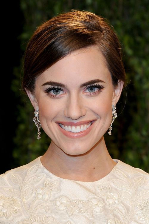 Allison Williams eyebrows