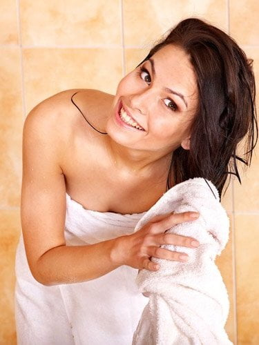 Avoid Wrapping Towel to Wet Hair