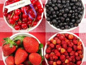 Berries (Vitamin C and Collagen)