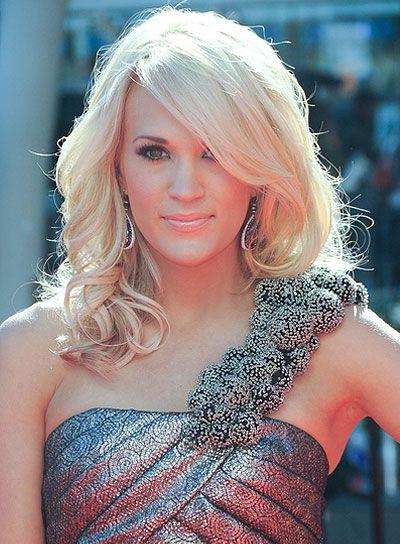 Carrie underwood wearing soft bangs