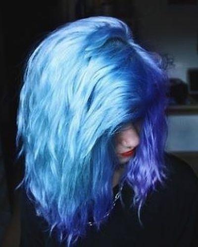 electric blue layered haircut