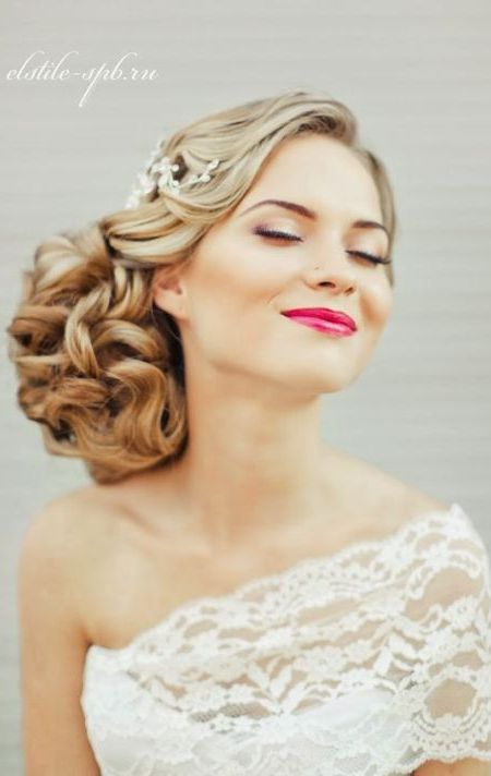 Hairstyles for single shoulder wedding dress