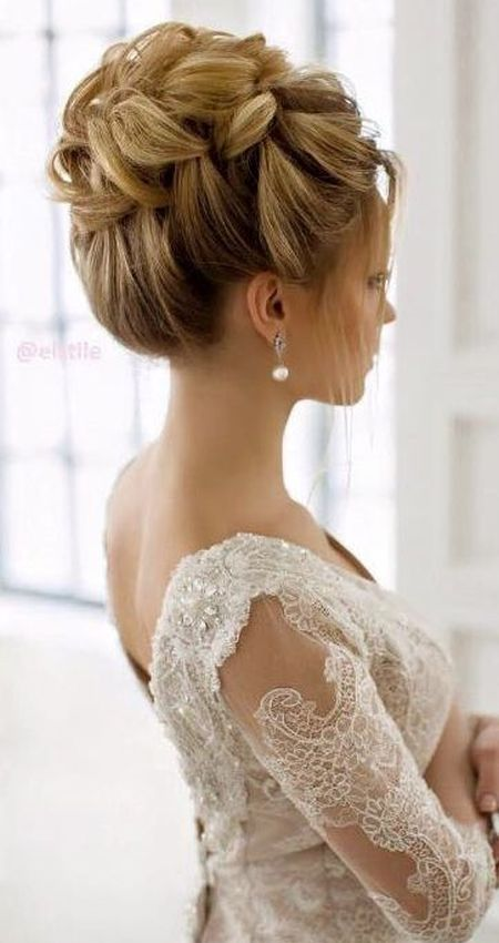 Hairstyles with v neck wedding dress