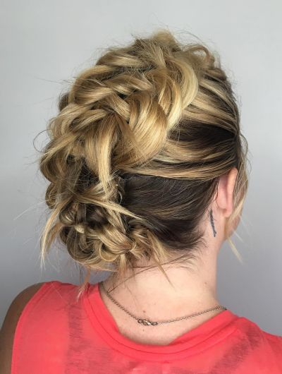 Messy knotted style