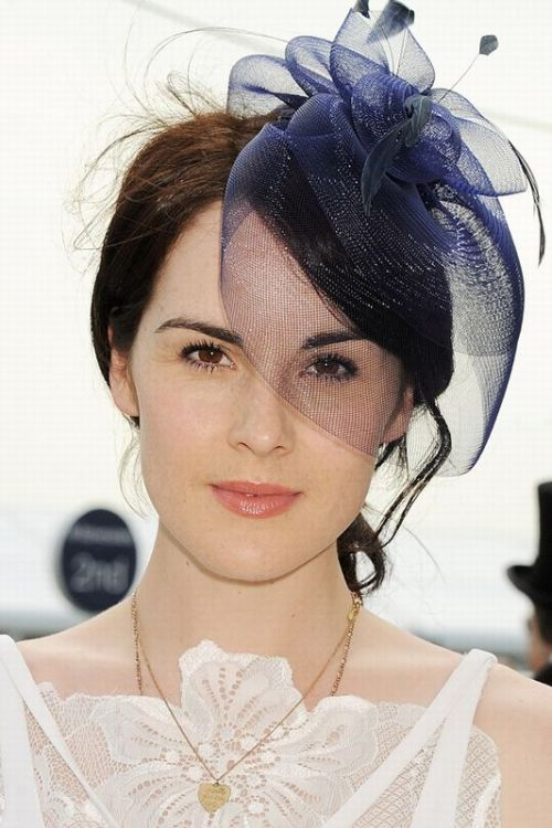 Michelle Dockery hair accessory