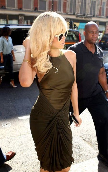 Rihanna Hairstyles - Long Blonde