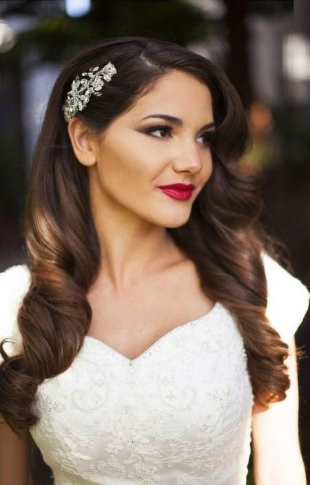 V neck wedding dress hairstyles
