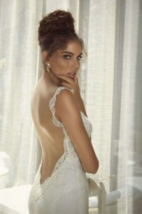 backless wedding hair
