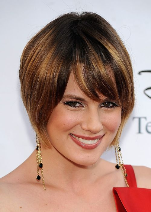 chic short bob highlights fine hair 9