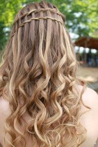 curly waterfall braid2