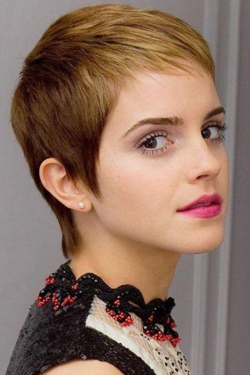 emma watson pink lips pixie
