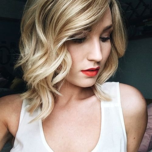 long bob with large curls3