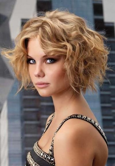 short curly layered haircut