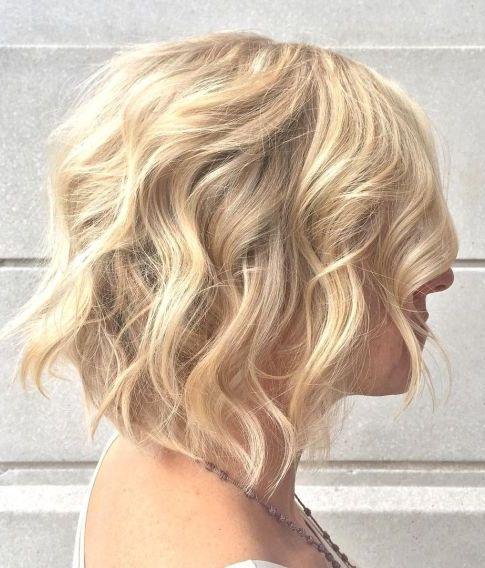 wavy bob haircut