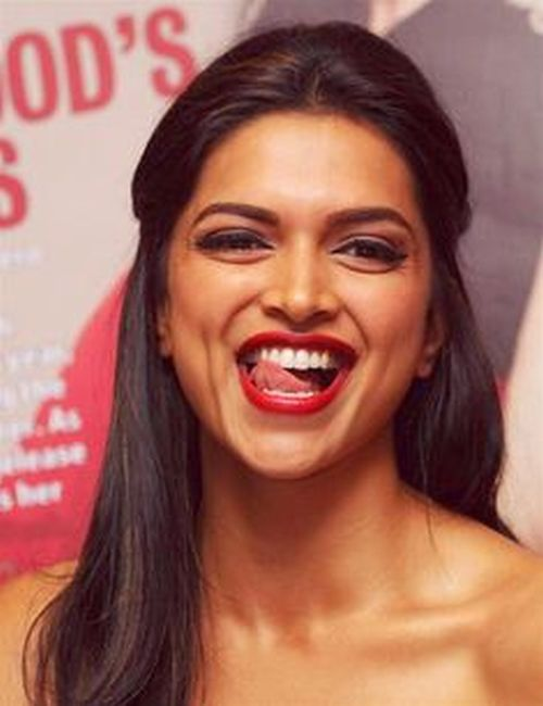 Deepika Padukone dimple smile