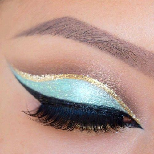 Gold Highlights makeup