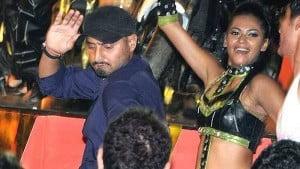 Harbhajan Singh dancing at party