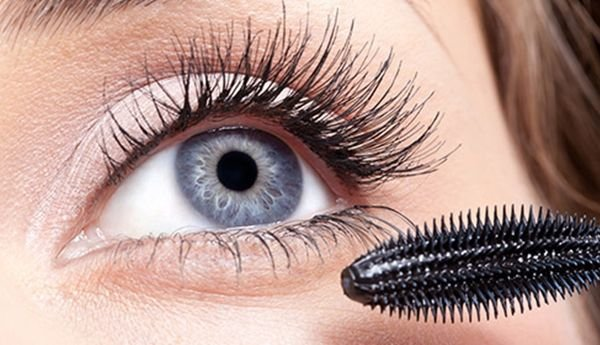 How To Apply Mascara Perfectly: Mascara Tips For Beginners