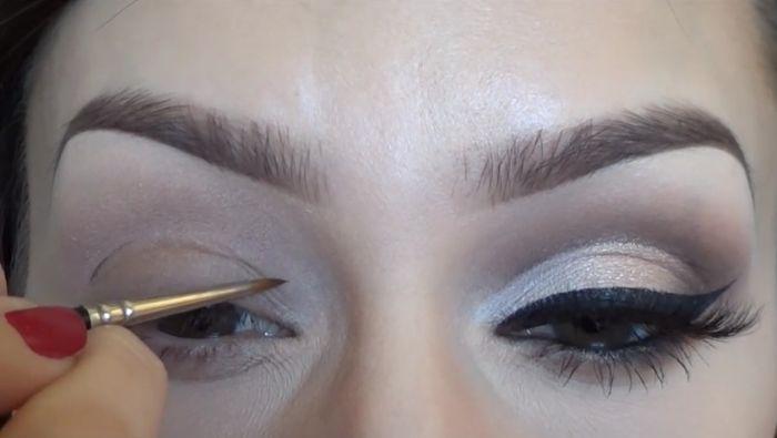 Cut Crease Eyeshadow Tutorial