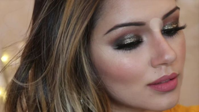 Glittery Bronzed Party Makeup
