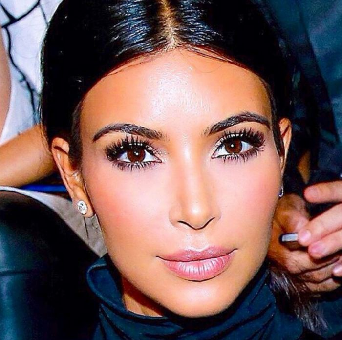 Contouring Highlighting Makeup To Look Like Kim Kardashian Video