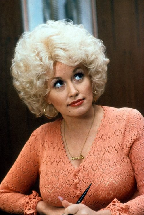 Dolly Parton in a scene from the film 'Nine To Five', 1980. (Photo by 20th Century-Fox/Getty Images)
