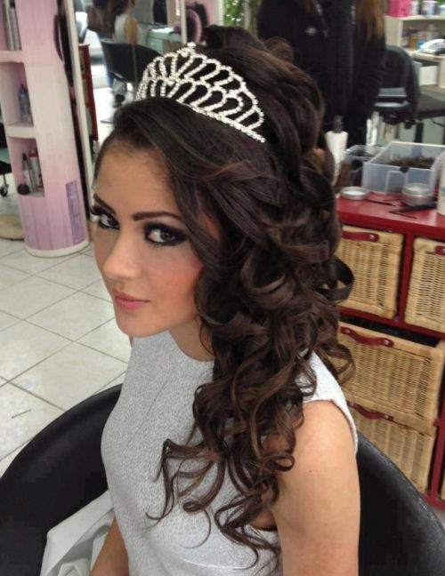 Half Up Down Wedding Hairstyle With Tiara 2016 Halfuphalfdownhairtiara5