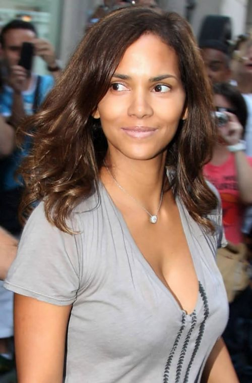 Pleasant Halle Berry Haircuts Short Amp Long Hair Pixie Amp Curly Hairstyles Hairstyle Inspiration Daily Dogsangcom