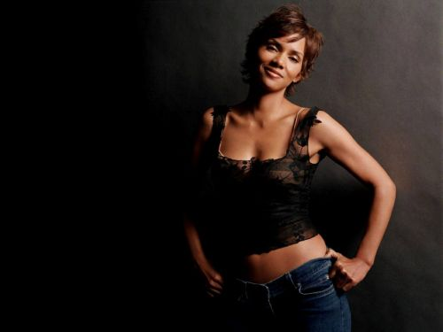 Halle berry hairstyles (30)