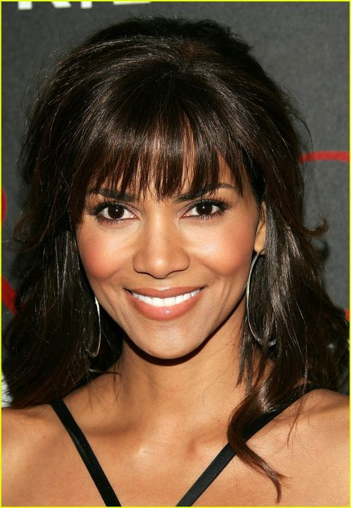 Halle Berry Hairstyles 33