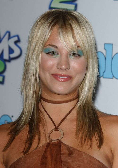Kaley Cuoco Hairstyles & Haircuts: Short, Layers, Pixie, Bangs & Updos