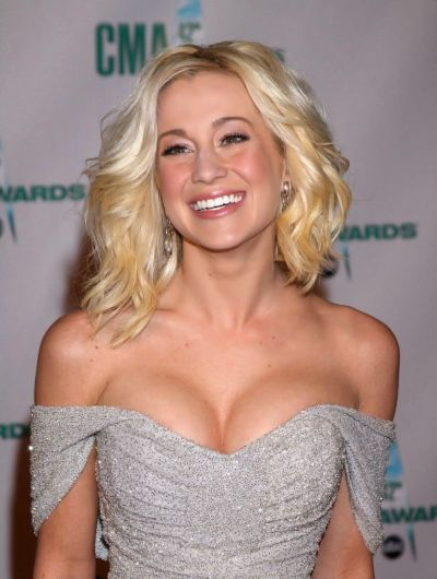 Kellie Pickler's Shoulder Length Hair