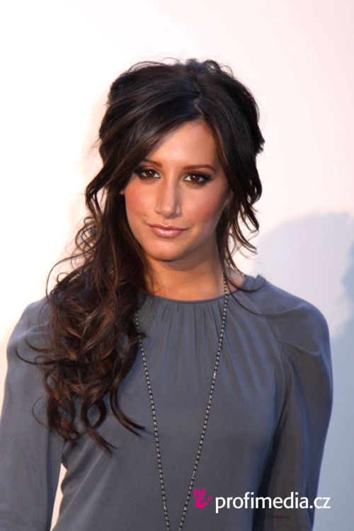 ashley tisdale hairstyles (41)