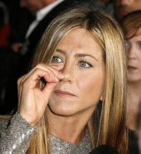 Jennifer Aniston picking nose