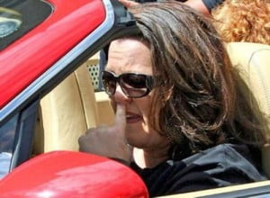 Rosie O'Donnell picking nose