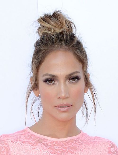 messy top knot jennifer lopez