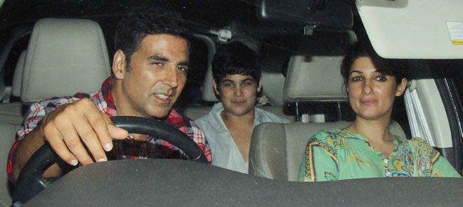 Akshay Kumar and family