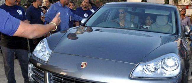 Akshay Kumar's car - Porsche cayenne: grey Edition