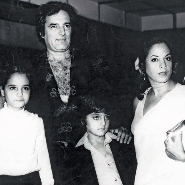Feroz Khan's Family pic - wife Sundari, son Fardeen Khan and daughter Laila Khan