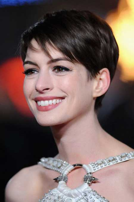 anne short hairstyle