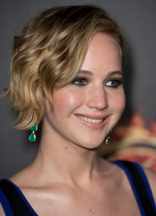 Jennifer Lawrence tousled short bob