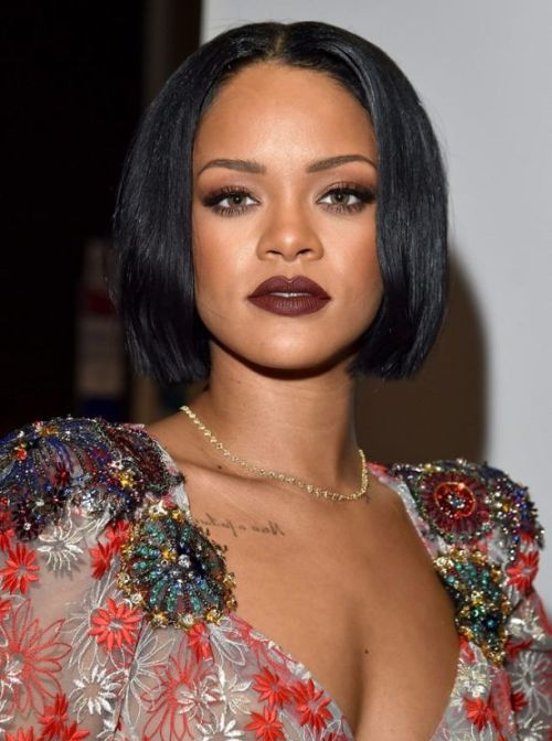 Rihanna short hair 2016