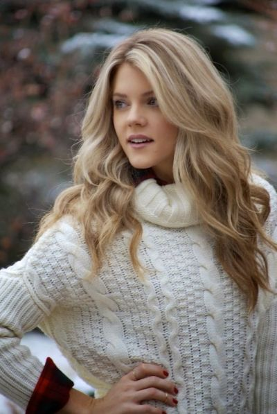 Beach blonde hair color on big voluminous waves
