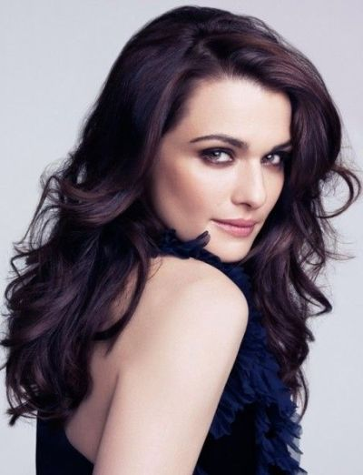 Classic dark brunette waves for pale skin