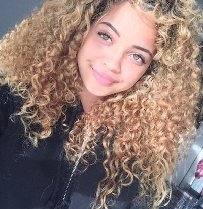 Goldilocks blonde for naturally curly hair