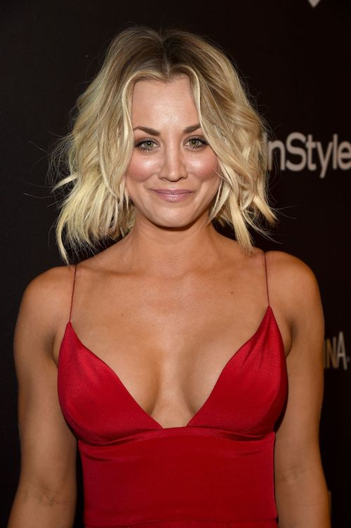 kaley cuoco golden globes 2016