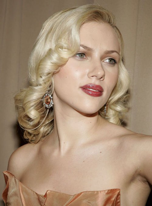 scarlett johansson retro blonde curls