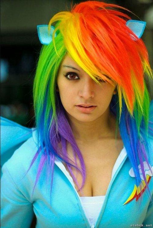 parrot scene hair