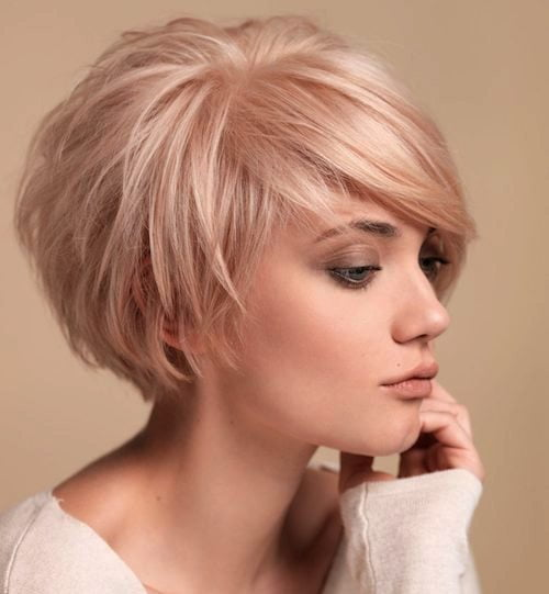 short blonde bob hairstyle for fine hair